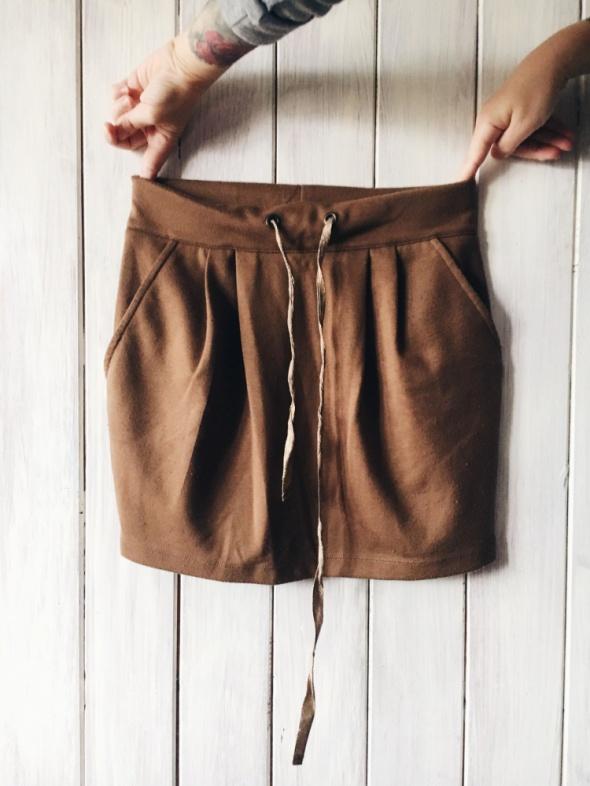 Spódnice brązowa spódnica z kieszeniami