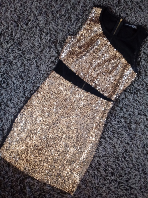 Cekinowa sukienka seksowna cekiny zlotw1
