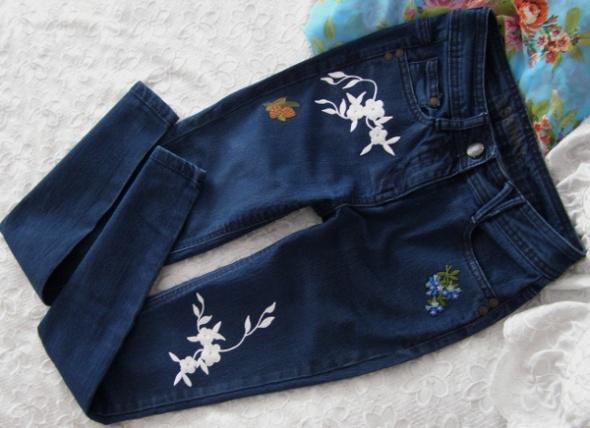 naszywki spodnie jeansy rurki skinny Tu 38 M haft...