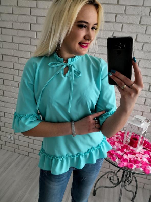Bluzki Turkusowa zwiewna elegancka bluzka 46 XXXL