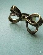 pierścionek stare złoto kokarda
