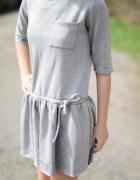 Szara rozkloszowana sukienka S