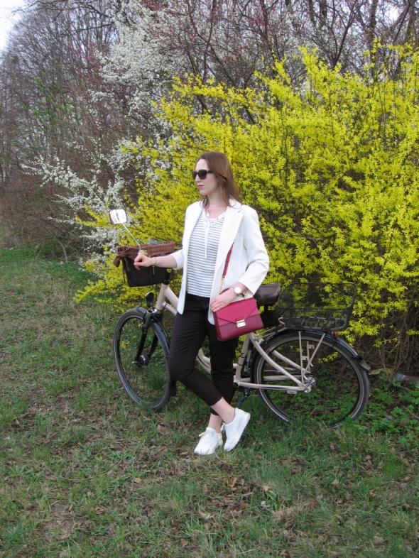 Blogerek Biel czerń i odrobiną czerwieni