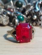 bardzo stary radziecki pierścionek z czerwonym okiem srebro 875