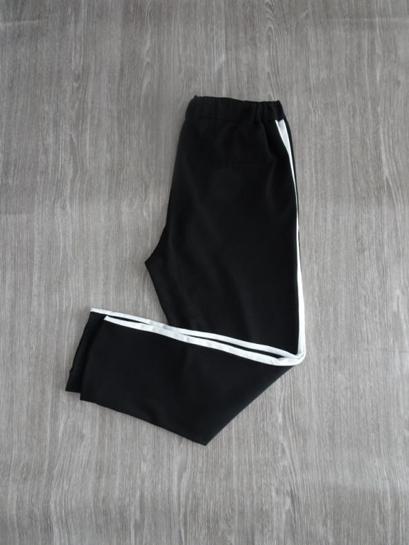 Spodnie z lampasami ZARA czarno białe lampasy S w Spodnie