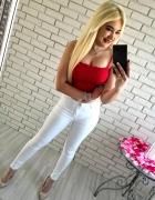 Białe spodnie z wysokim stanem nowośc