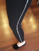 legginsy czarne zameczki
