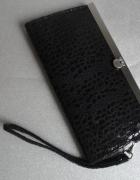 czarna kopertówka tanio