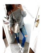 Cudowny sweterek z blaszka