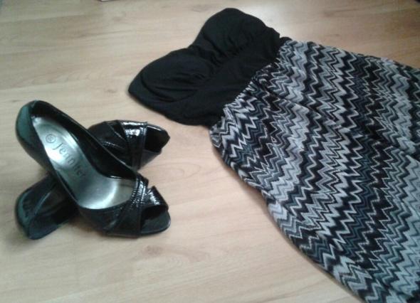 Suknie i sukienki Sukienka czarna xs we wzory