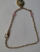 bransoletka na srebrnym łańcuszku z zawieszka literka N