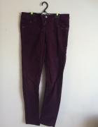ciemnoróżowe spodnie