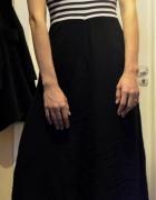 długa czarna sukienka w paski uniwersalna 34 36 38
