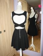 Sukienka wycinana serduszko