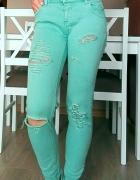 Pull&Bear spodnie jeans rozdarcia