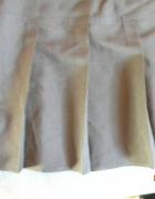 Czarna plisowana spódniczka 152