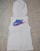 Top do ćwiczeń Nike