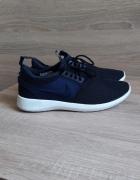 Granatowe buty Nike 38...
