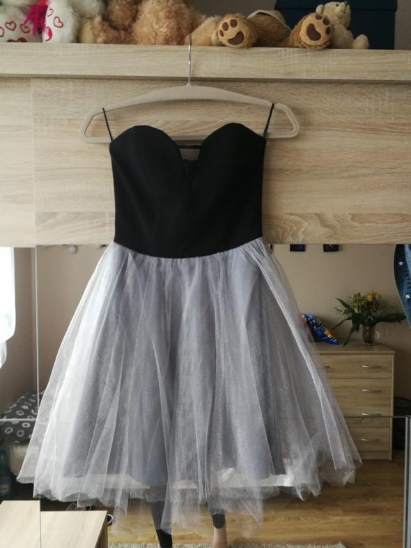 czarno srebrna sukienka z brokatem