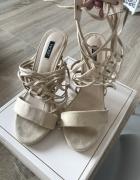 Buty sandałki szpilki rozmiar 39 beżowe plecione...