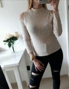 Bluzka sweterek prazek odkryte ramiona M