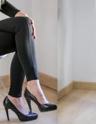 Super legginsy z bocznymi ozdobnymi paskami
