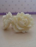 Kolczyki białe kwiatki