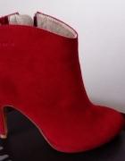 Nowe czerwone skórzane szpilki botki Tamaris