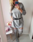 Luźny sweter i podkolanówki