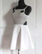Rozkloszowana mini sukienka r S