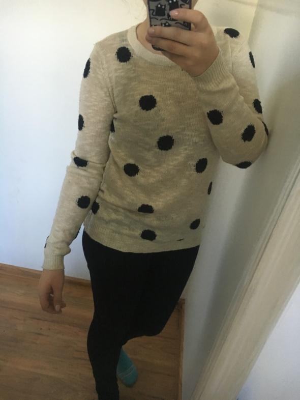 sweterek w kropki