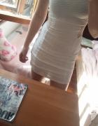 Biała sukienka wycięcia xs s krótka dopasowana