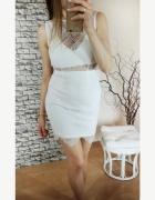 Biała koronkowa ołówkowa dopasowana sukienka Missguided...