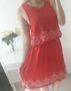 Atmosphere sukienka czerwona wzory zwiewna wygodna w pasie gumka dwuwarstwowa XL