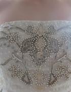Suknia ręcznie wyszywana Needle&Thread