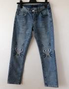Jeansowe rurki mom jeans z kotkami...