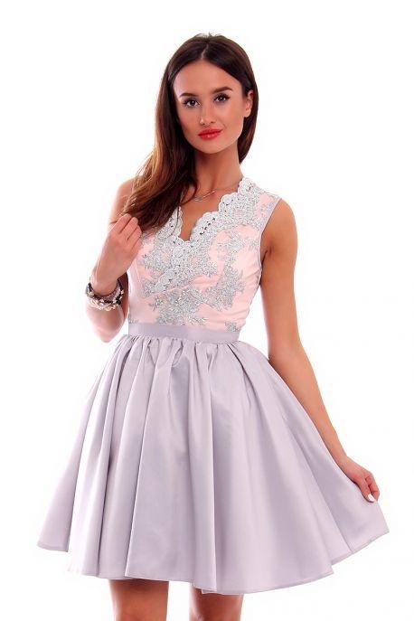 5f89291865 Rozkloszowana sukienka z koronką w Suknie i sukienki - Szafa.pl