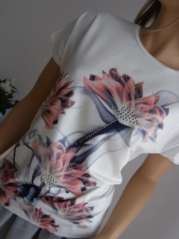 koszulka bluzka kwiaty dżety S M nowa włoska italy