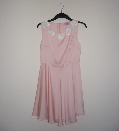 sukienka pudrowy róż Asos paprika rozkloszowana
