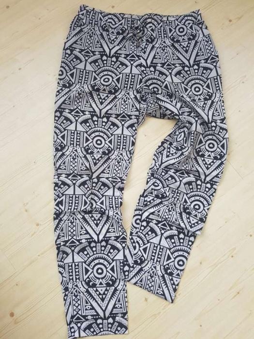 3019a76b spodnie zwiewne azteckie wzory alladynki czarno białe w Spodnie ...