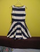 Sukienka w paski rozkloszowana granatowa koło XS...
