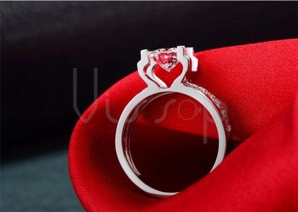 Pierścionki Wyjątkowy pierścionek R 13 r 18 duża cyrkonia