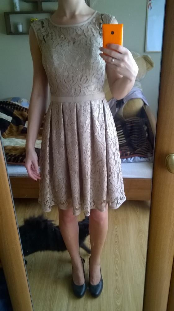 Koronkowa złota sukienka XS