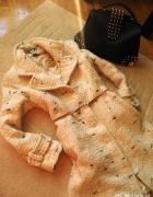 Kremowy zimowy płaszczyk