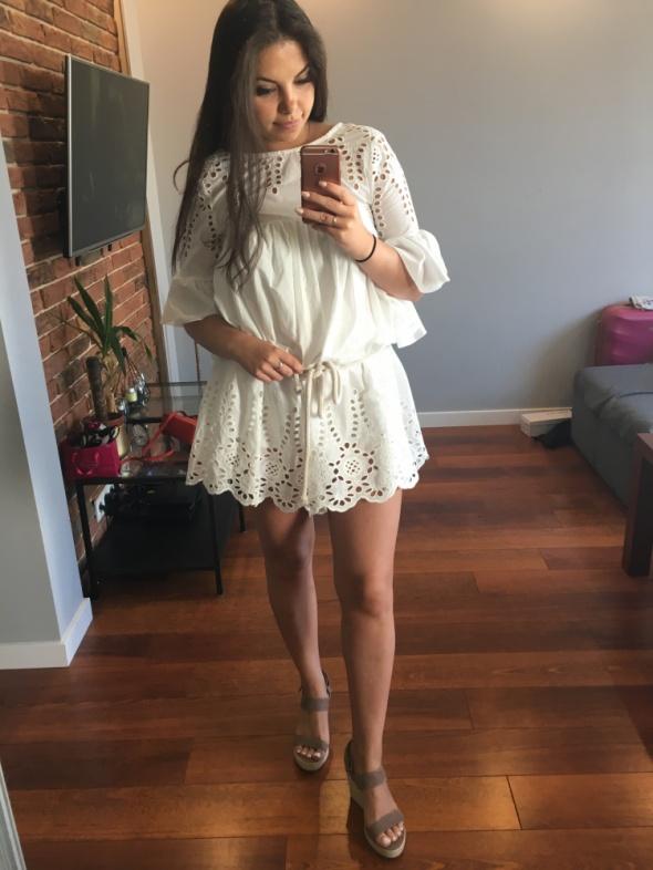 Biała sukienka rozmiar uniwersalny