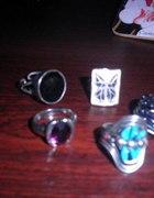 pierścionki różne kolorowe stylowe