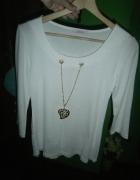 Biała bluzka z łańcuszkiem