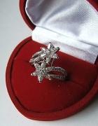 zaręczynowy srebrny PIERŚCIONEK CUDO cyrkonie