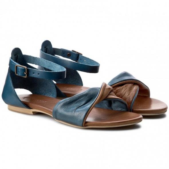 Ubrania Sandały