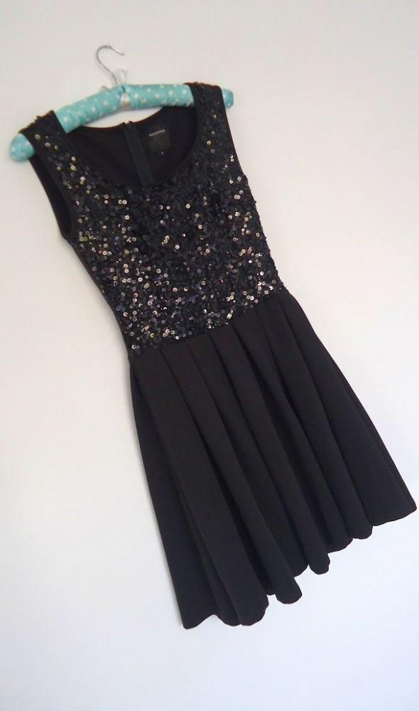 sukienka Reserved cekiny 36...